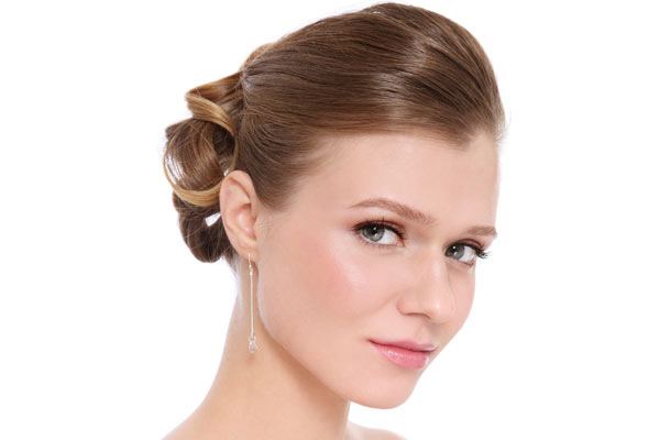 Best Prom Hairstyles for Round Faces