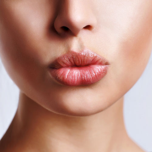 Best Home Remedies for Chapped Lips