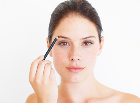Shape Your Own Eyebrows At Home