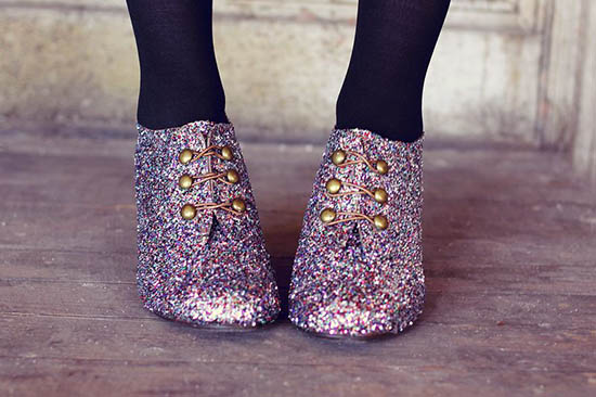 Stylish Ideas for Wearing Glitter