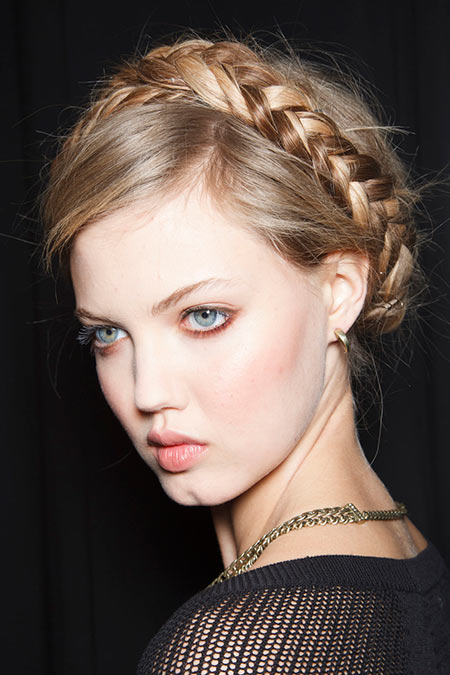 Milkmaid Braids Trend That We All Love So Much