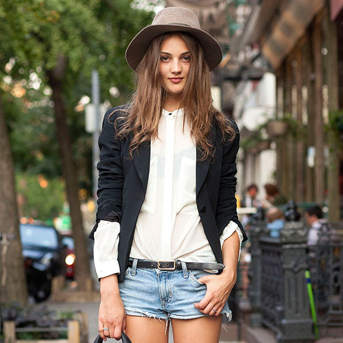 How to Spice Up a Boring Outfit