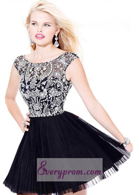 Lovely Prom Dresses to Try This Year