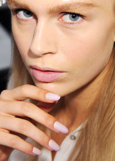 Tips for Choosing Summer Nail Color