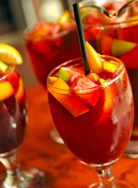 how to make sangria with rum