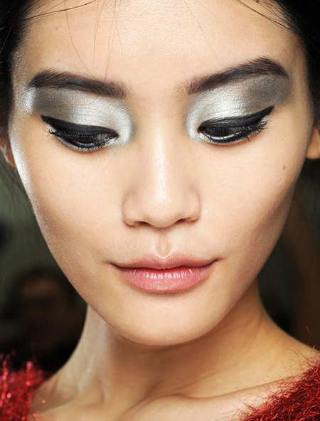 Silver Eye Makeup Ideas