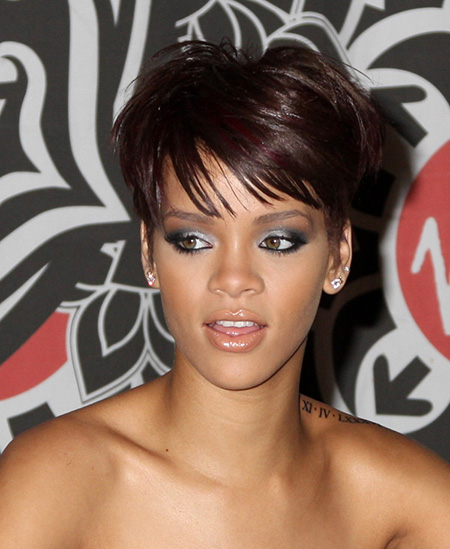 Voguish Short Hairstyles for Summer