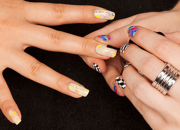 Tie-dye nail art design tutorial