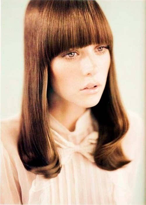 Different Styles of Bangs and Different Ways of Wearing Them