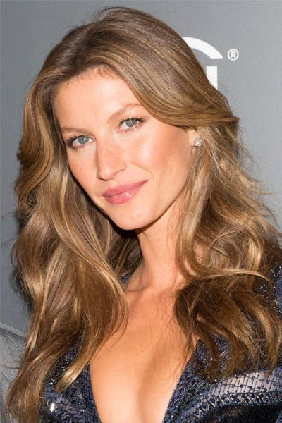 Gisele Bündchen with wavy long hair