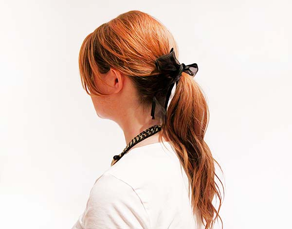 Ideas for Wearing a Black Hair Ribbon