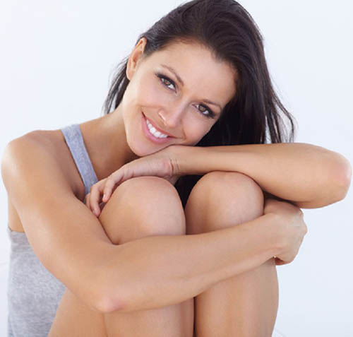 Woman with clean elbows and knees