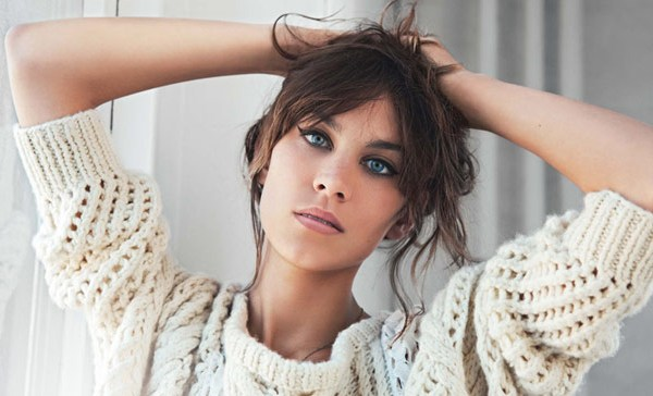 Copying Alexa Chung's Flawless Cat-Eye Look