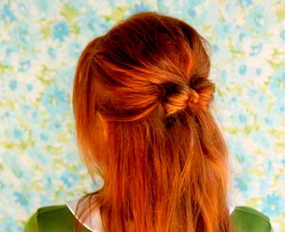 How to Style a Hair Bow