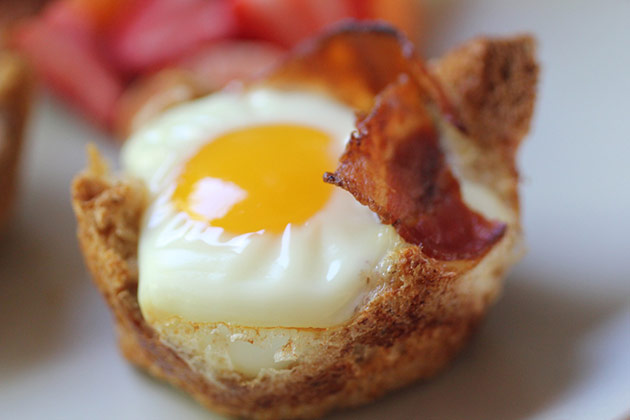 Bacon-cupped baked eggs