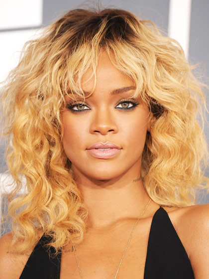 Rihanna with blonde shaggy hairstyle