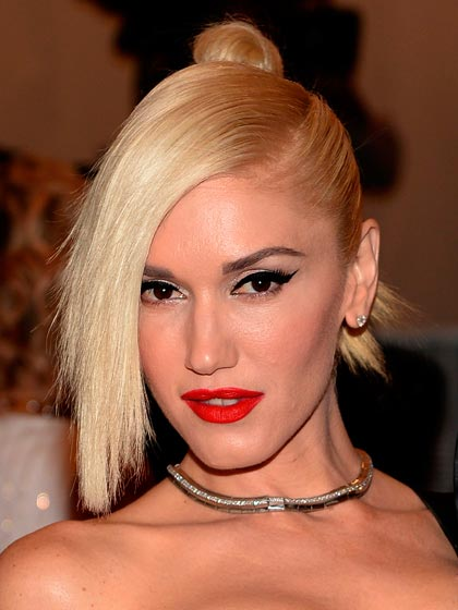 Gwen Stefani with blonde hair