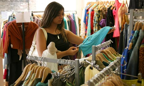 Why Every Fashionista Should Go For Second Hand Clothing