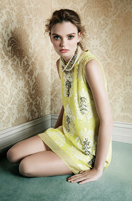 Woman pale yellow dress with accessories