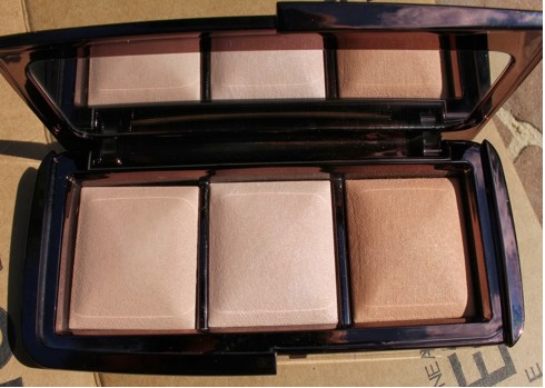 A Review of Hourglass Ambient Lighting Powders