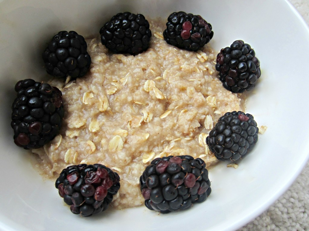 Oat meal with blackberries