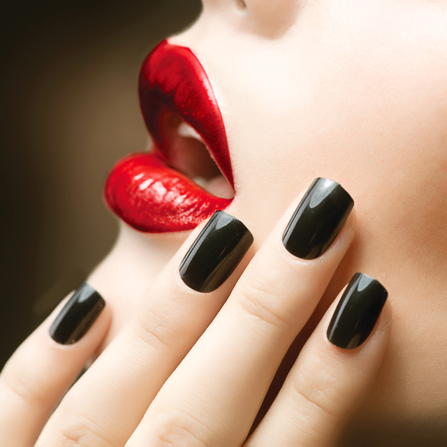 How to Avoid Yellowing Nails Caused by Nail Polish 2