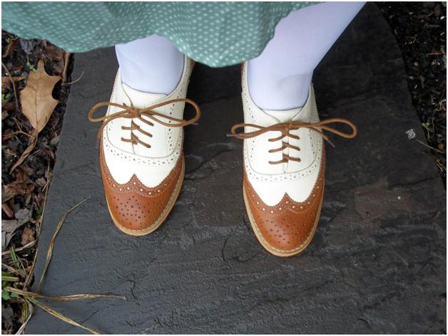 Oxford-Style Shoes – Your Versatile Chic Choice 2