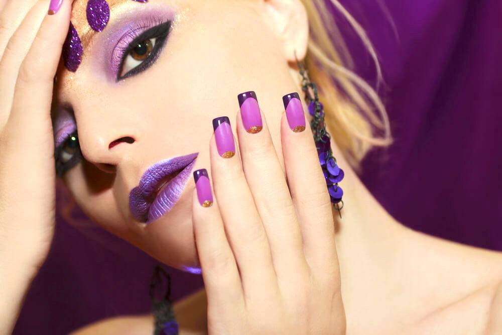 nail art design with dark tips