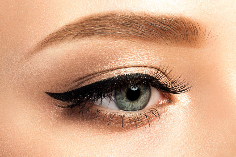 Classic cat-eye eyeliner look