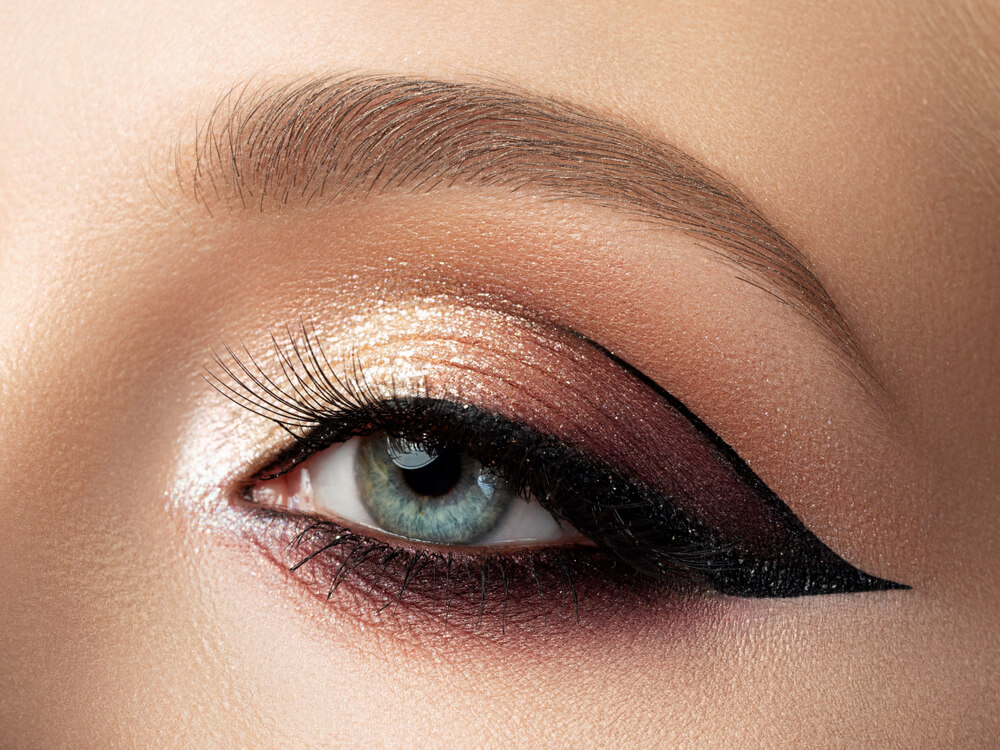 Cut crease black eyeliner with metallic eyeshadow