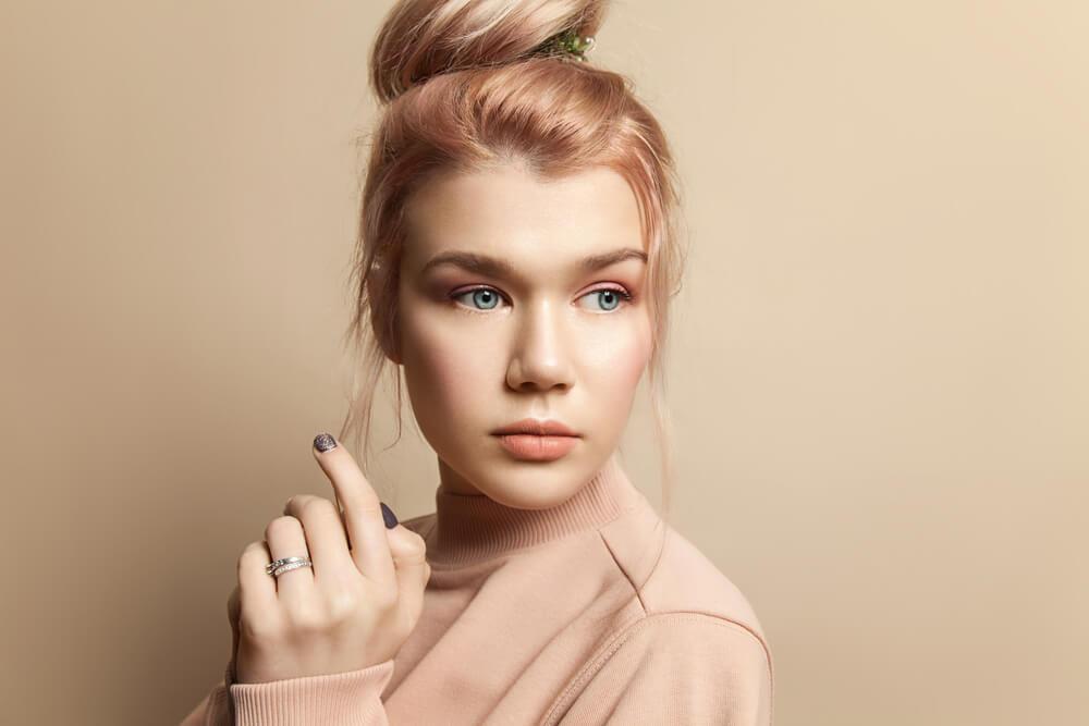 Woman with peach hair